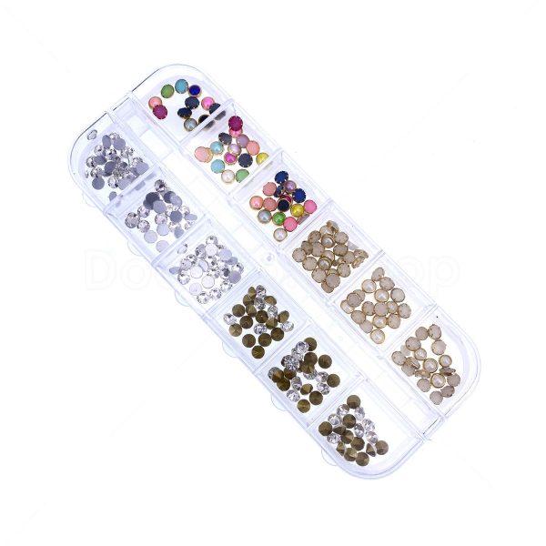 滴膠UV膠封入物-平底鑽及混彩珠 - 套裝內有不同款色的柳釘及混彩珠,適合用於滴膠/UV膠/水晶膠封入物等製作不同款色的滴膠首飾。 歡迎網上訂購DIY材料,接受信用卡、銀行過數、PayPal或PayMe付款,平郵或速遞運費到付也可自由選擇,不用出門也能輕鬆購買DIY材料,十分方便快捷。