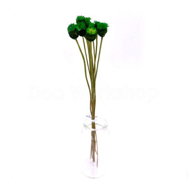 深綠色快樂花乾花